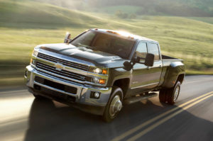 2015-Chevrolet-Silverado-3500HD-front-three-quarters-in-motion