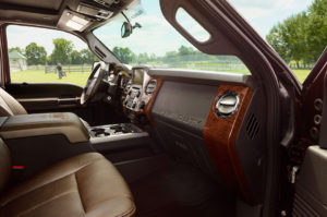 2015-Ford-F-Series-Super-Duty-front-interior