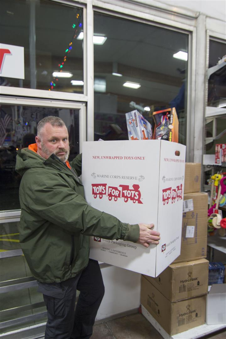 Toys For Tots Merchandise : Tis the season for giving